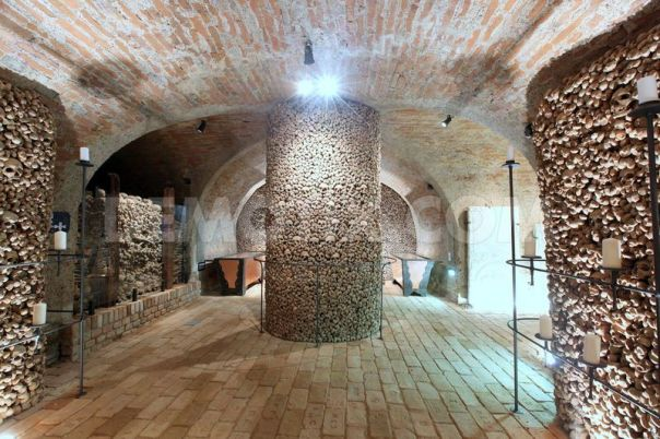 1340226597-the-second-largest-ossuary-in-europe-opens-in-brno_1288725