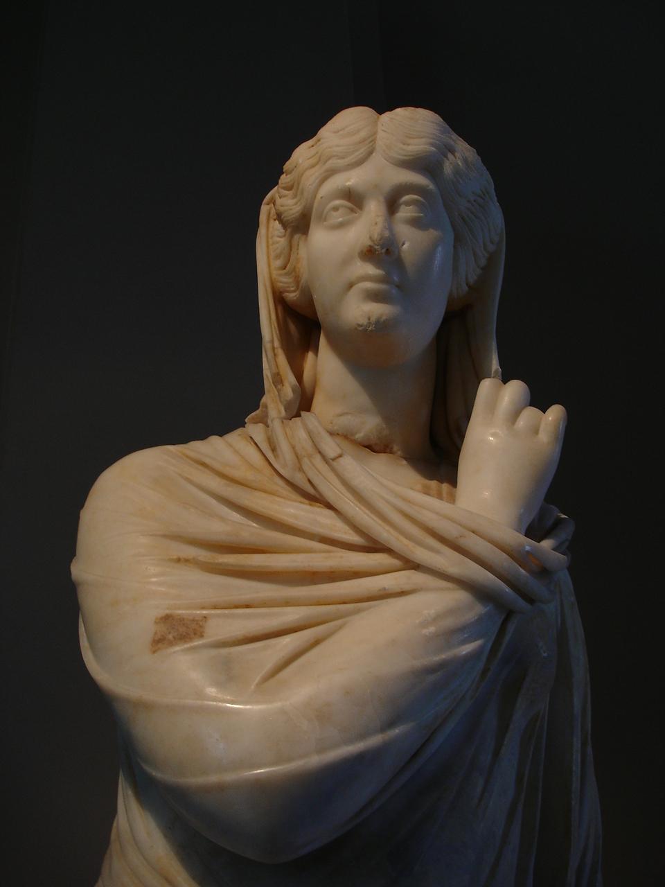 Istanbul_-_Museo_archeol._-_Cornelia_Antonia_come_Pudicitia_sec._II_d.C._-_Foto_G._Dall'Orto_28-5-2006_01