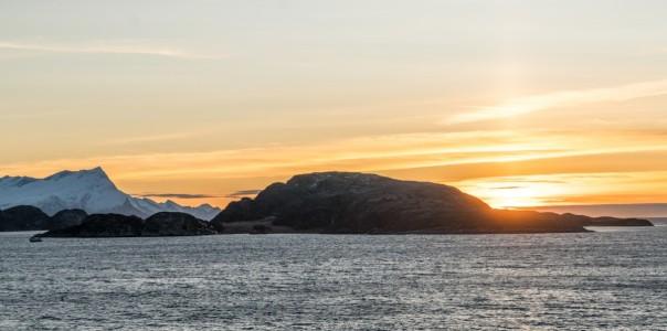 norway_cruise_sunrise_fjord_travel_water_landscape_scandinavia-1286159.jpg!d